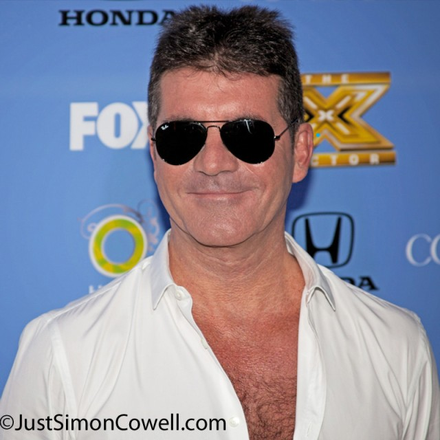 Our photo of Simon on the Blue Carpet